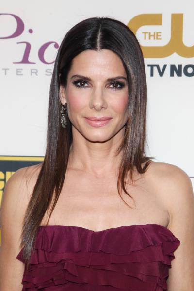 SandraBullock 5 famous celebrities who look younger than they are thanks to amazing skin care